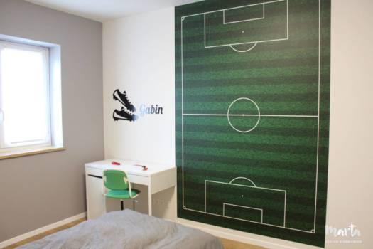 1. Chambre de garçon - fan de foot.