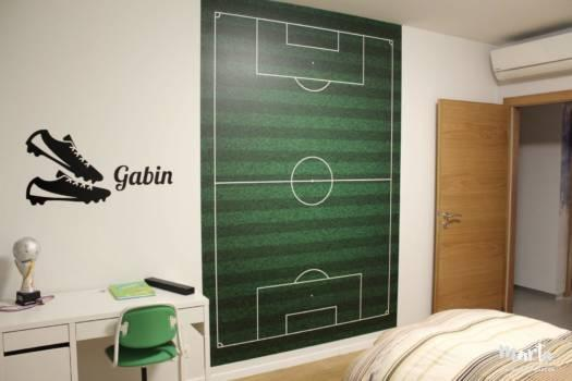 2. Grand sticker mural ; Terrain de foot.