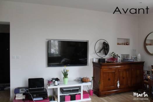 Avant -- Mur de TV