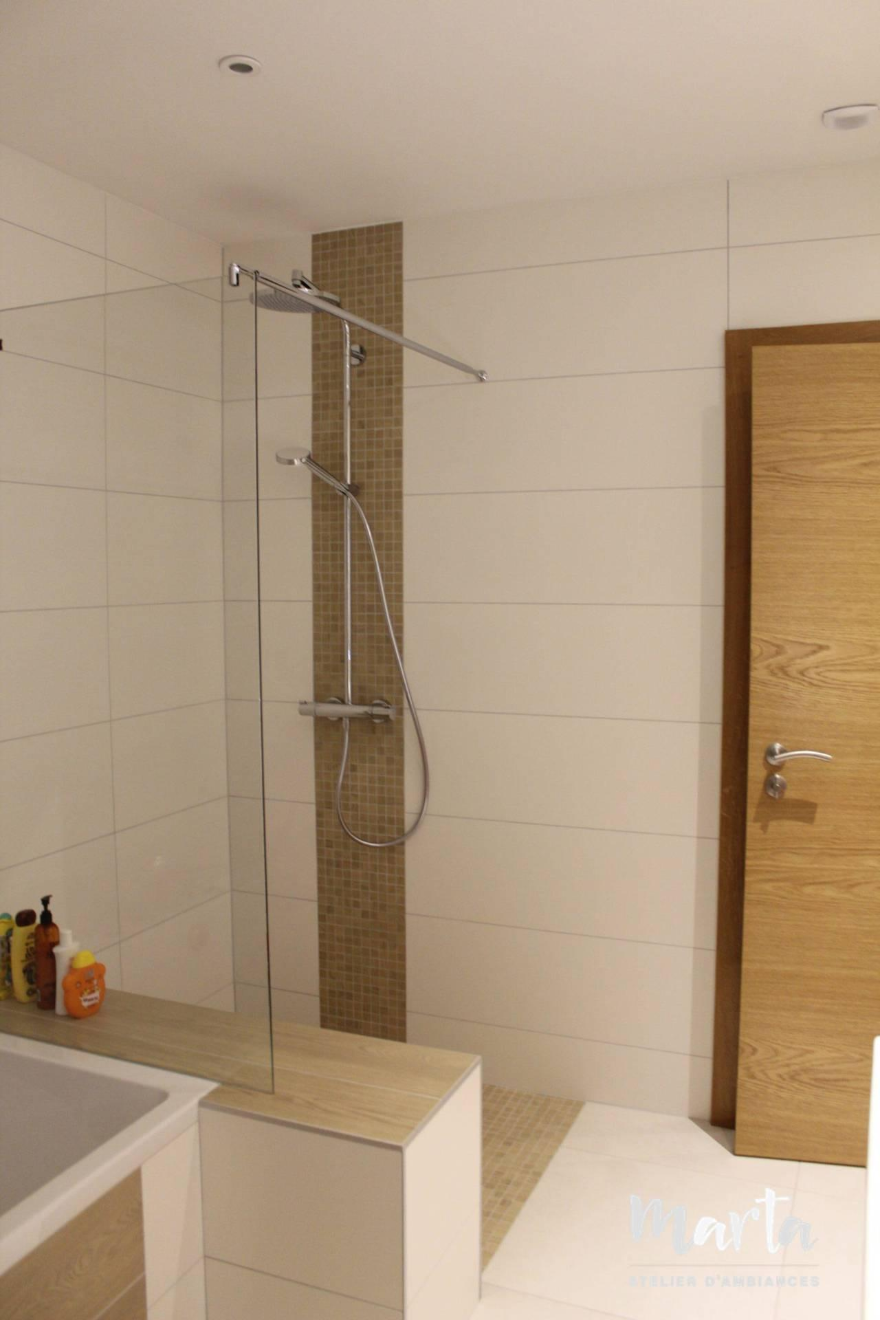 Vue côté douche, par Marta Atelier d'Ambiances, Architecte d'intérieur à Mulhouse, Alsace
