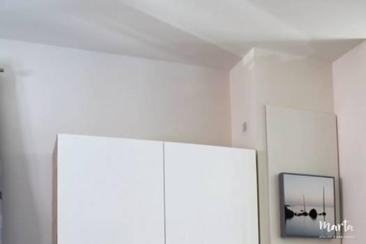 Nouveau vaisselier léger, par Marta Atelier d'Ambiances, Architecte d'intérieur à Mulhouse, Alsace moderne, qui remplace l'ancien,