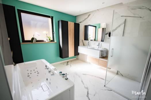 Rénovation de salle de bain à Mulhouse dans le style moderne, par Marta Atelier d'Ambiances, Architecte d'intérieur à Mulhouse, Alsace