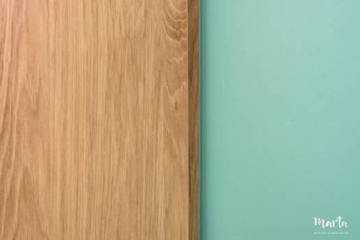 Détail du meuble avec le couleur de mur, par Marta Atelier d'Ambiances, Architecte d'intérieur à Mulhouse, Alsace