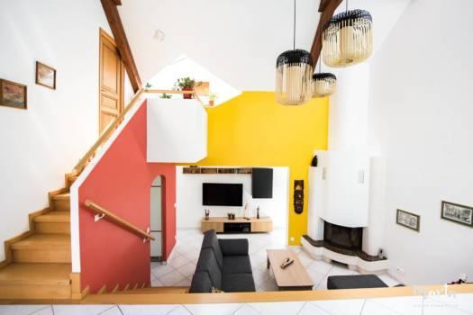 Vue vers le salon avec la cheminée ,par Marta Atelier d'Ambiances, Architecte d'intérieur à Mulhouse, Alsace